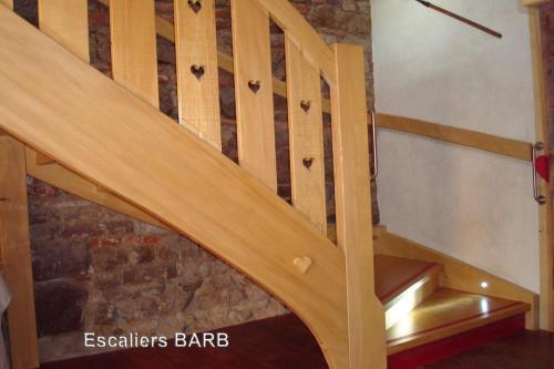 escalier sapin brossé lieu public