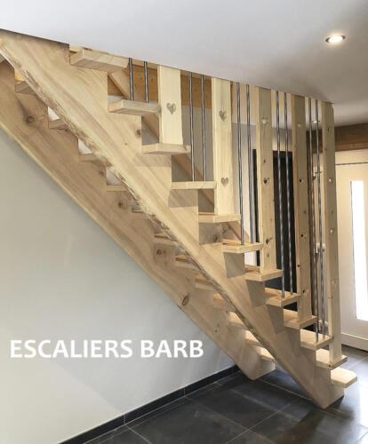 escalier bois brossé rustique dans chalet