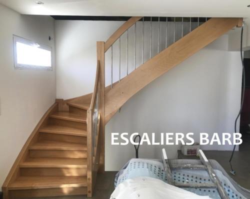 escalier quart tournant en hêtre avec barres inox